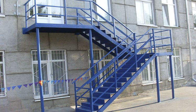 Наружные, уличные, стационарные лестницы